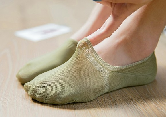 Spring Color Anti Slip No Show Socks - GEMBIRA.com.my